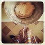 pain d'épeautre au levain, zestes de citron et amandes grillées