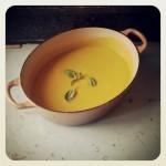 soupe de pâtisson et carottes au basilic