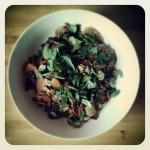 Nouilles de riz, légumes et bouillon au miso