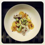 Poireaux vinaigrette, oranges et mousse de thon artichaut