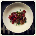 Croquettes de courgettes à la feta et tomates confites