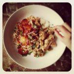 Nuggets de poulet épicés et salade orientale