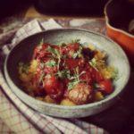Boulettes, courge spaghetti et sauce tomate